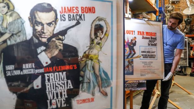 Ceyms Bond filminin plakatı, MI6, kəşfiyyatçı