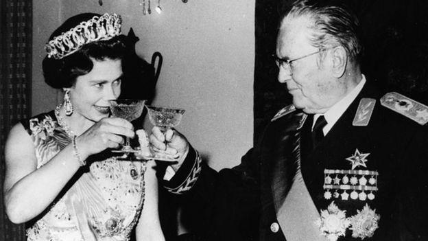 Иосип Броз Тито и королева Елизавета II в 1972 году