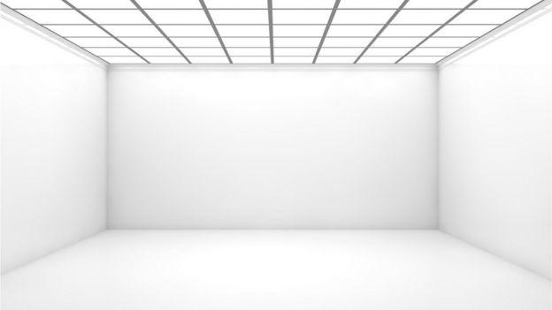 Un cuarto blanco vacío