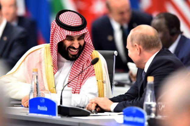El príncipe heredero saudita, Mohammed bin Salman, y el líder ruso, Vladimir Putin, comparten una risa en la cumbre del G20 en Argentina.