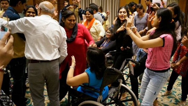Social spaces dancing