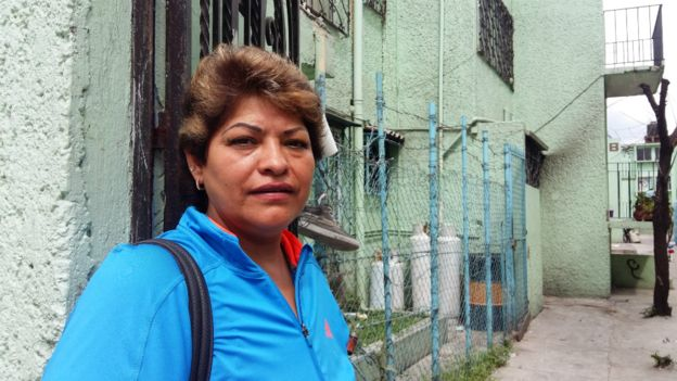 Beatriz Ballinas, vecina del edificio de costureras que se derrumbó.