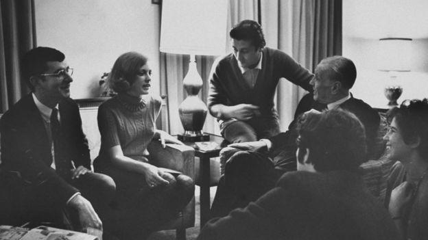 Borges con un grupo de estudiantes en 1968