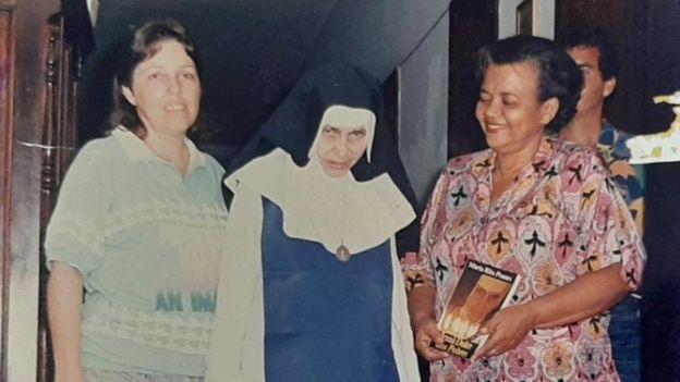 Mãe de Milena, Eulália (à esq.), era voluntária das Osid e trabalhou ao lado da Irmã Dulce (centro)