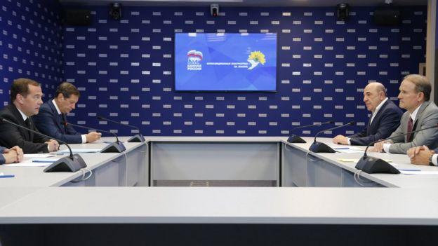 Медведчук на встрече с Медведевым 10 июля в Москве обсуждал проблемы транзита газа и снятие санкций с украинских компаний