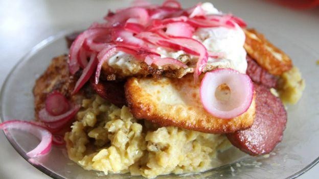 Desayuno típico de dominicana