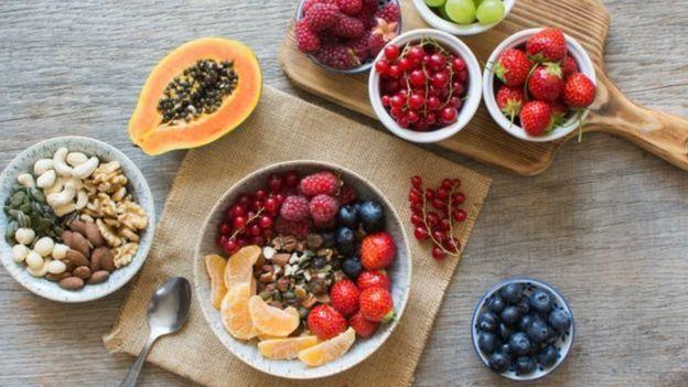 Foto de frutas no café da manhã