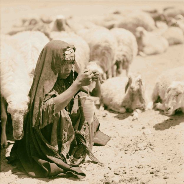 Bedouin shepherdess (1932)