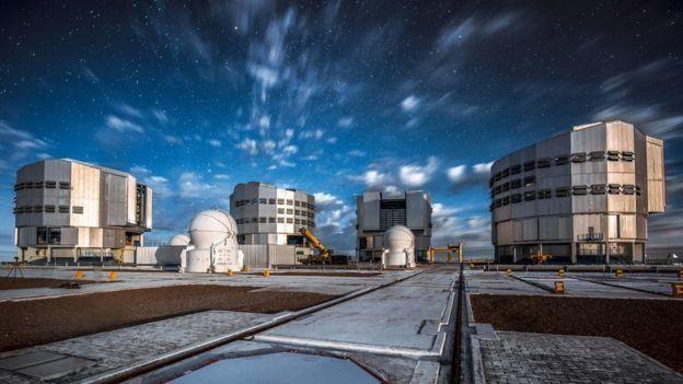 กล้องโทรทรรศน์ Very Large Telescope (VLT) ที่ประเทศชิลี