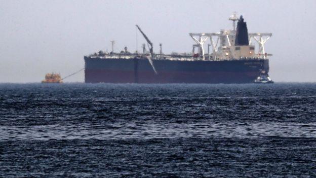 شاحنة نفط في الخليج