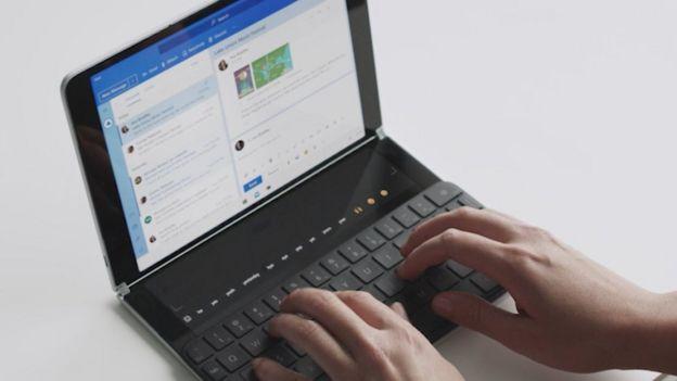 Surface Neo admite un accesorio de teclado ara crear una configuración similar a la de una computadora portátil.