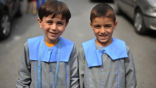 İki çocuk