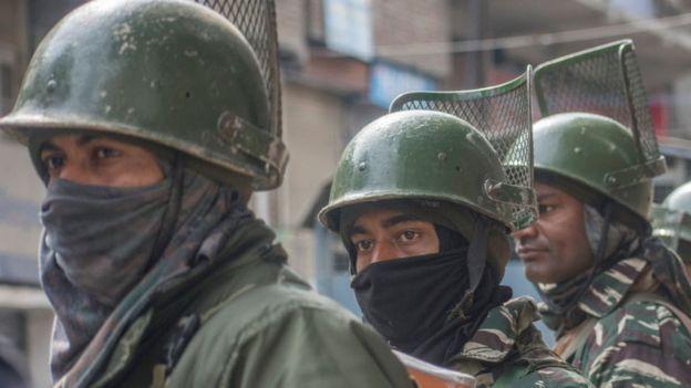 Soldados de India.
