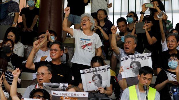 大批示威者不理警方警告集会抗议。