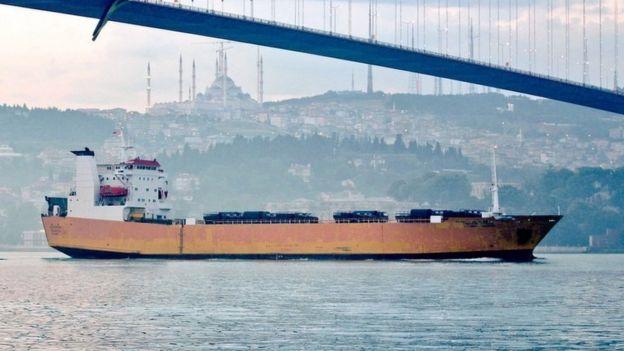Amiral Tkaçenko gemisi Suriye'ye askeri araçlar taşırken