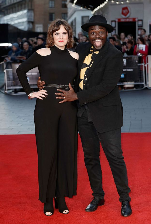 Anna y Babou Ceesay
