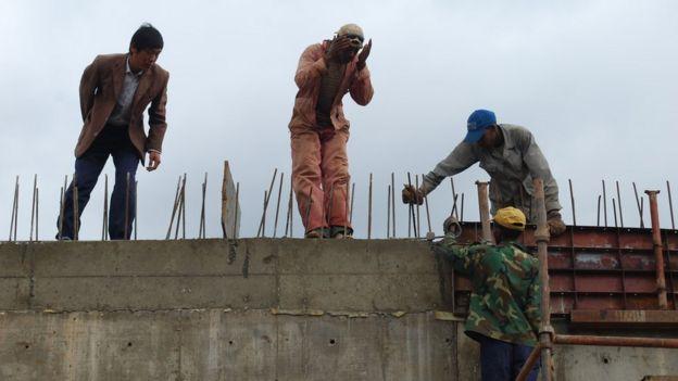 中國企業在埃塞俄比亞展開大量的基礎建設工程,僱用了大批當地勞工