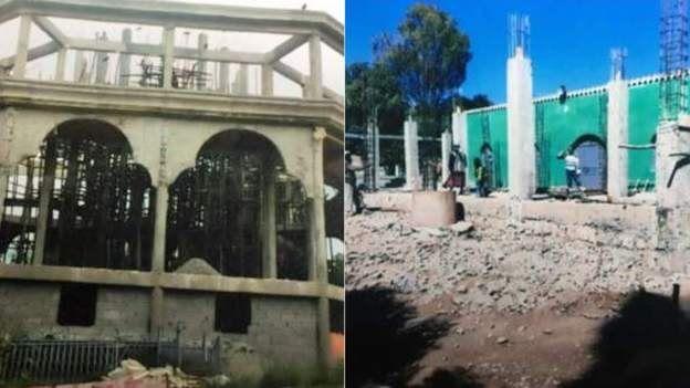 La nouvelle église (L) et la mosquée (R) sont toutes deux en cours de construction