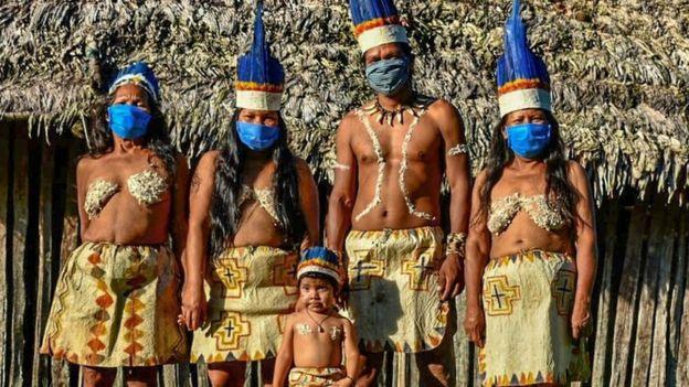 представители племени уитото в Амазонии