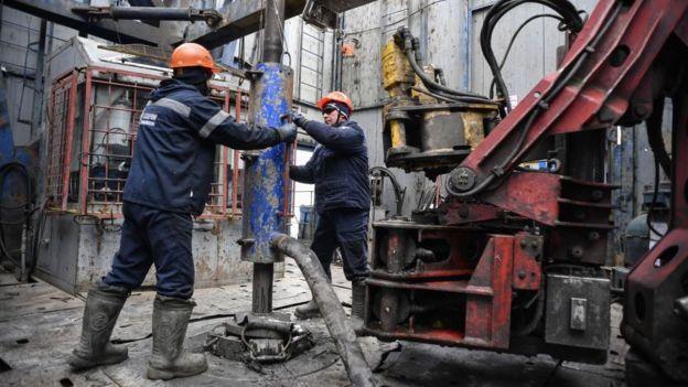 Буровая на Бованенковском месторождении газа на Ямале
