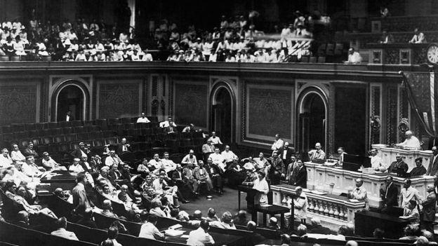 Jeannette Rankin, ABD Kongresi'nin ilk kadın üyesiydi