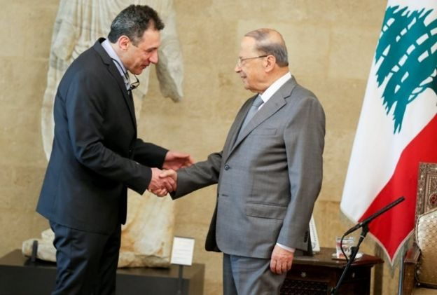 میشل عون رئیس جمهوری لبنان و نزار زکا پس از آزادی