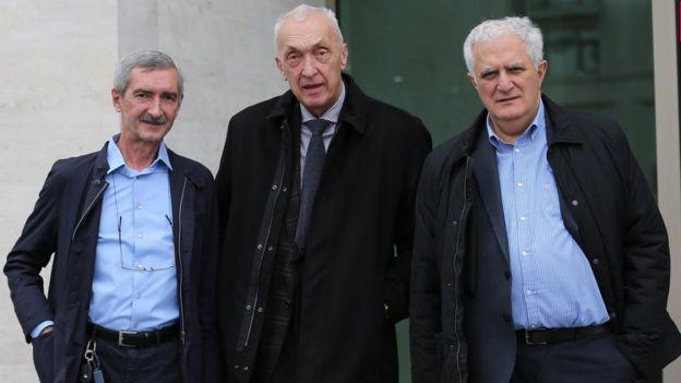 """""""Три мушкетера"""": (слева направо) руководитель лаборатории имени Лугара Паата Имнадзе, главный вирусолог Грузии, директор тбилисского центра инфекционных заболеваний, СПИДа и иммунологии Тенгиз Церцвадзе и глава Национального центра здравоохранения Амиран Гамкрелидзе"""