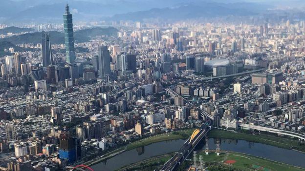 Pemandangan Taiwan dari pesawat, 19 Agustus 2019