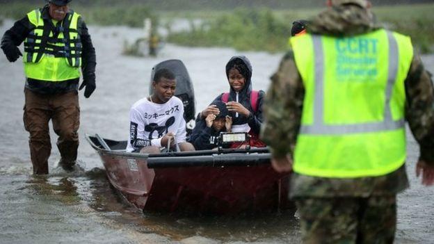 Tres niños rescatados