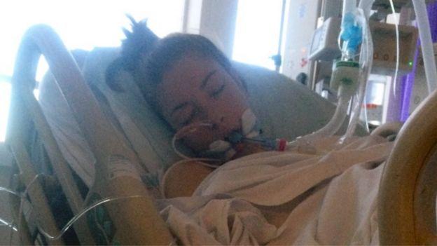 Lora D'Alesio en el hospital