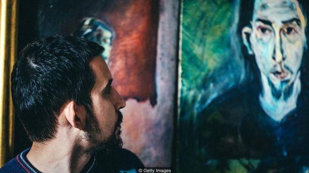 حتی زل زدن به چشمان یک نقاشی هم باعث آغاز فعالیتهایی در مغز میشود که با شناخت اجتماعی رابطه دارند