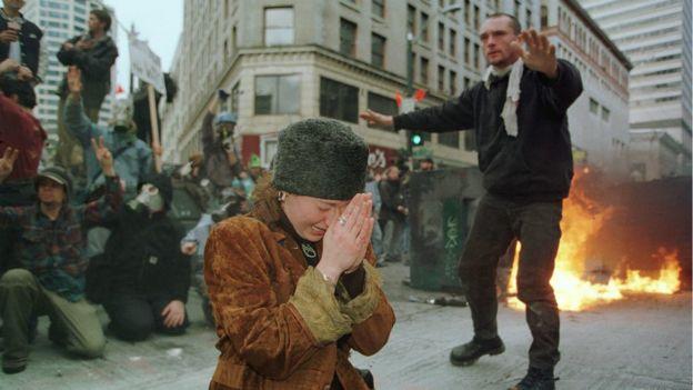Seattle'daki protestolarda polis ve göstericiler çatışmış, çok sayıda kişi gözaltına alınmıştı