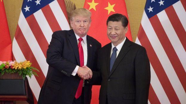 2017年11月9日,美國總統特朗普訪問中國,在北京人民大會談與習近平握手。