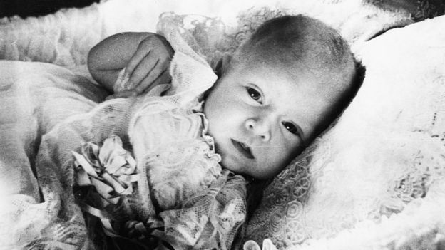 Принц Чарльз в младенчестве