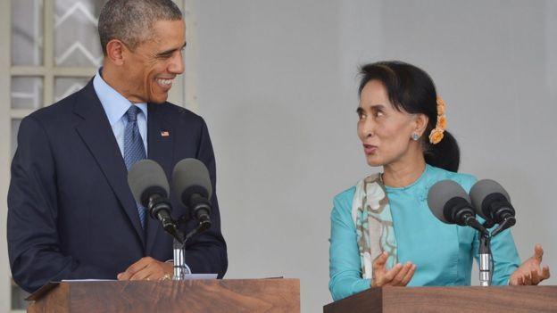 အိုဘားမားဟာ မြန်မာပြည်လာတိုင်း ဒေါ်အောင်ဆန်းစုကြည်ရဲ့ရန်ကုန်နေအိမ်မှာပူးတွဲသတင်းစာရှင်းလင်းပွဲလုပ်ခဲ့ပါတယ်။
