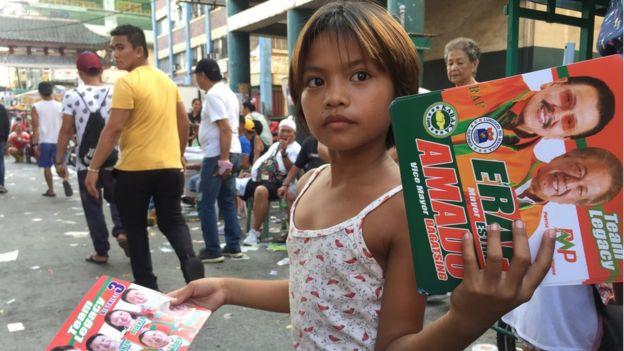 """這場菲律賓的""""中期選舉""""被視為對總統杜特爾特在任3年政績的一次""""公投""""。"""