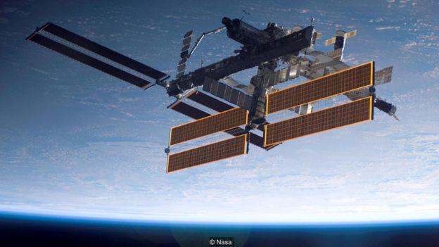Bahkan Stasiun Antariksa Internasional harus menghindari sampah yang ditinggalkan misi sebelumnya.