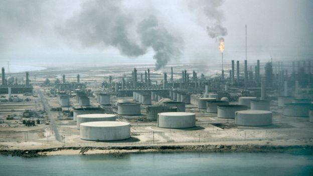 нефтевышка в Саудовской Аравии
