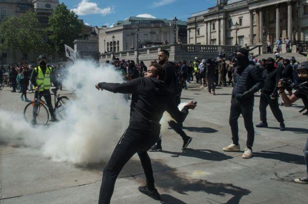 Основные столкновения прошли на Трафальгарской площади