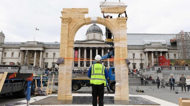 palmyra's arch of triumph recreated in london - bbc news