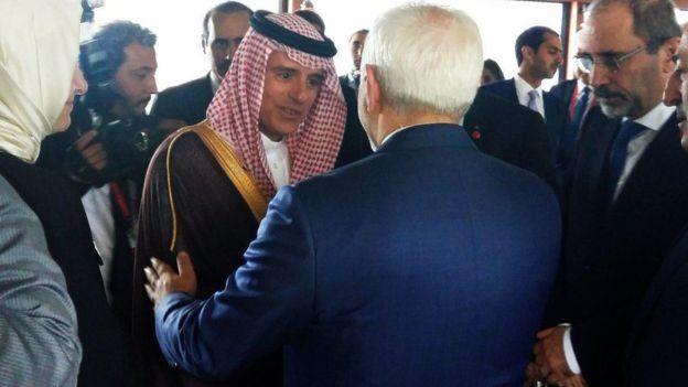 وزرای خارجه ایران و عربستان اخیرا در جریان یک اجلاس منطقه ای در ترکیه با هم دست دادند