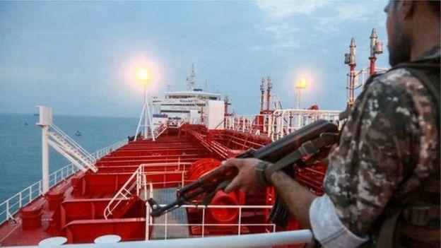 ایران دو هفته بعد از اینکه دولت جبلالطارق، نفتکش ایرانی، را توقیف کرد، در اقدامی تانکر بریتانیایی را به اتهام نقض