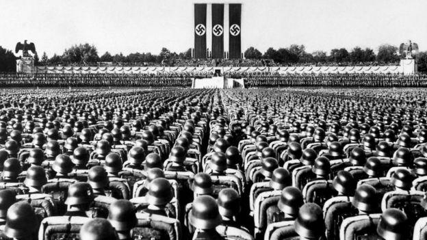 A través de la historia, hay personas que han superado la incomodidad de obedecer órdenes al creer que el fin justifica los medios.