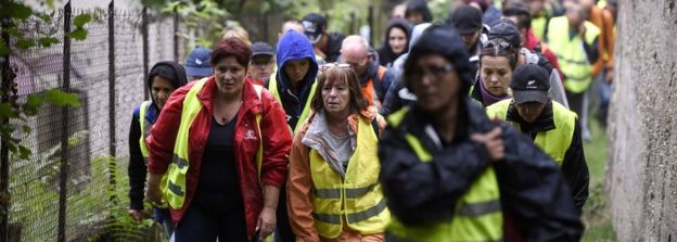 A group of citizens takes part in a search for Maëlys de Araujo on September 2, 2017 in Pont-de-Beauvoisin, eastern France