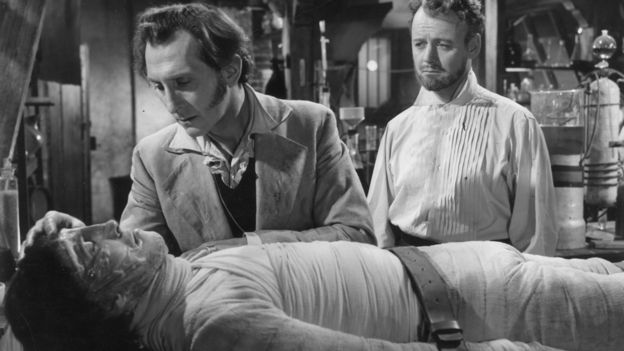 Escena de la Maldición de Frankenstein, 1957