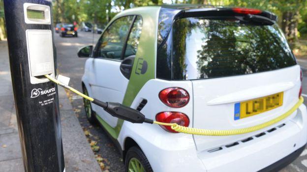 يعد الكوبالت عنصرا أساسيا لصناعة بطاريات السيارات الكهربائية