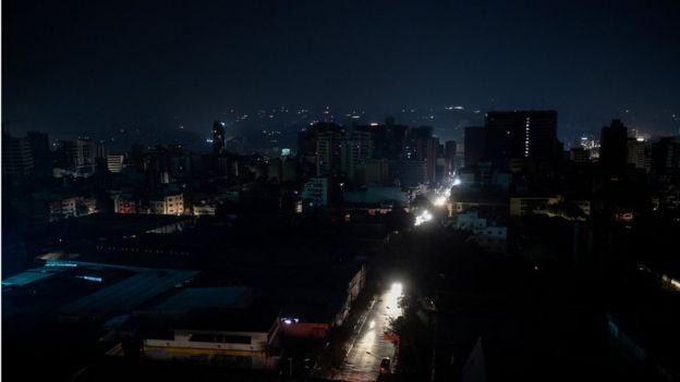 Imagen de Caracas a oscuras.