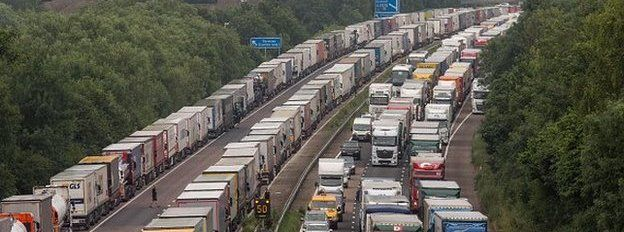 Lorries on M20