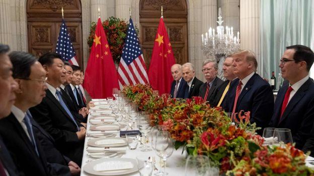 G20峰会上特朗普与习近平共进晚餐。