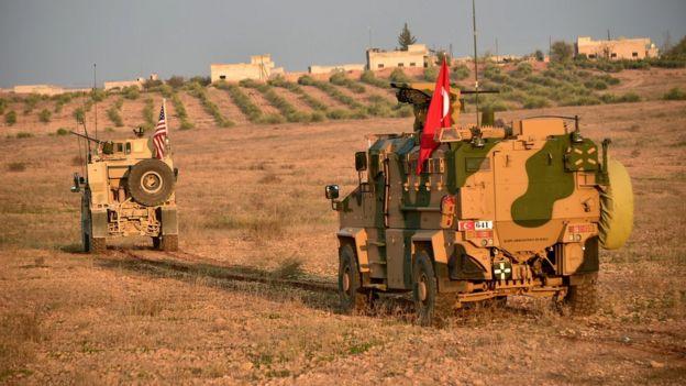 Türk ve Amerikan askerleri Menbic bölgesinde ortak devriye görevinde, 8 Kasım 2018.